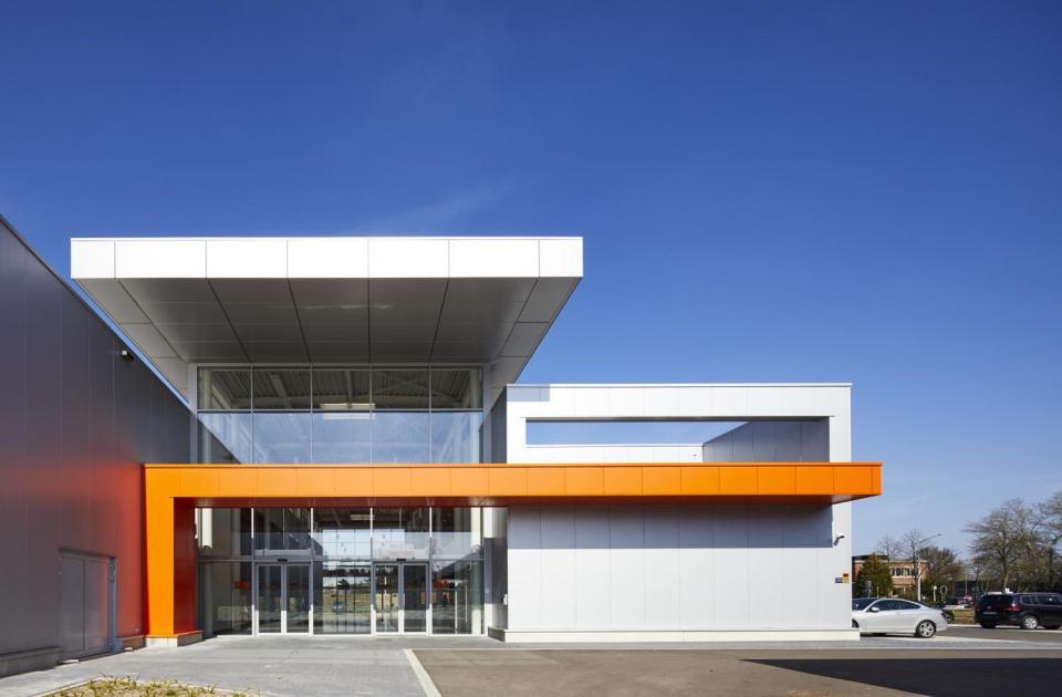 Horeca Van Zon Beerse cash and carry nieuwbouw investering Mathieu Gijbels limburg